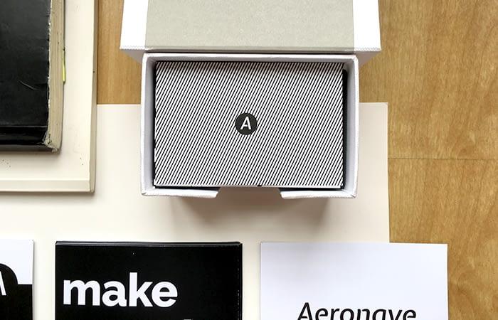 Box of Aeronave business cards