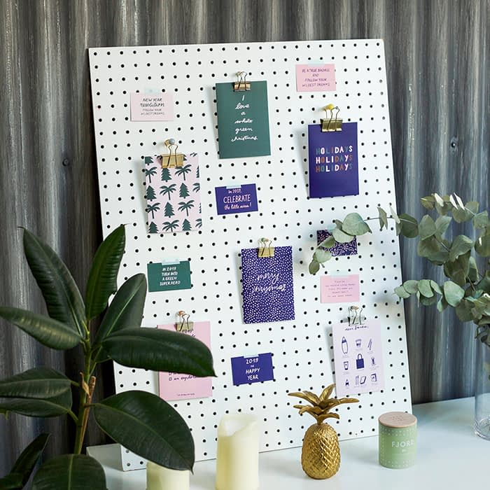 Wall with Melanie Johnsson cards
