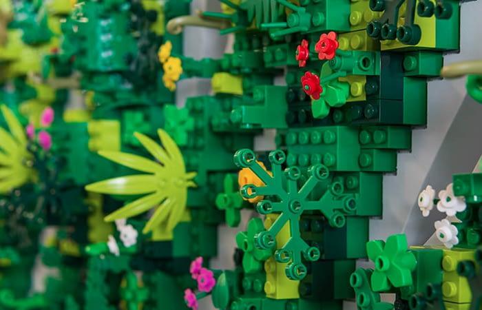 Acrylicize lego nature piece