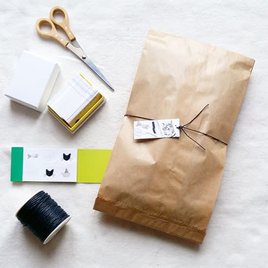 Packaging and accessories